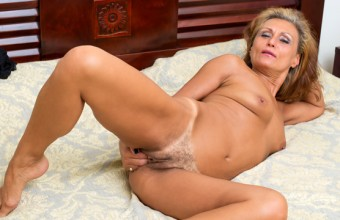 Bonita – Mature Beauty